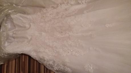 Bieľučké zdobené šaty, 38