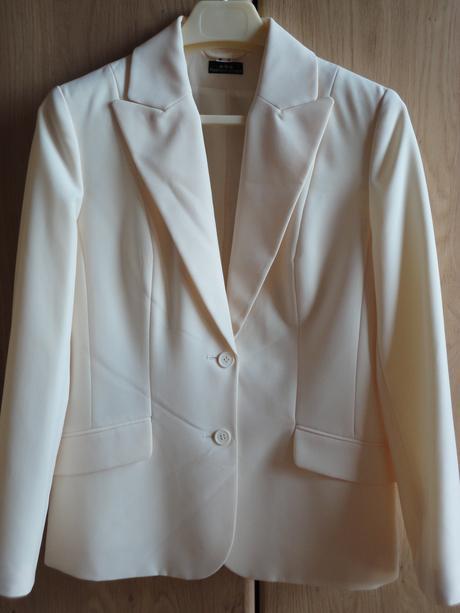 Krémový kostým nenosený, 3-kombinácia, 38