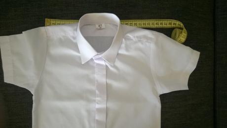 Spoločenská košeľa so skrytou légou, 80