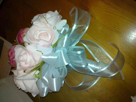 Svatební kytička z umělých květin + korsáž,