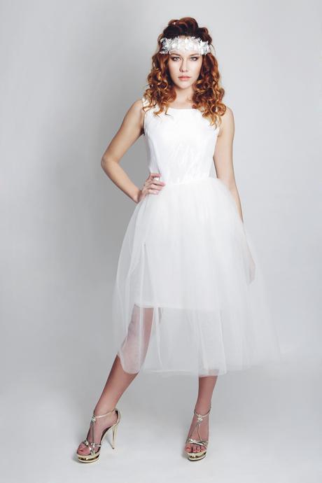 Krátke taftové svadobné šaty Simplicity, 38