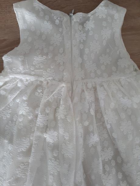Biele čipkové šatky , 68