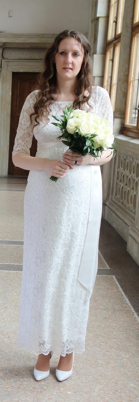 Těhotenské svatební šaty Tiffany Rose - 38/40, 38