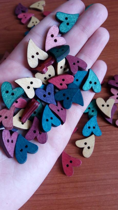 knoflíky srdce dřevěné,