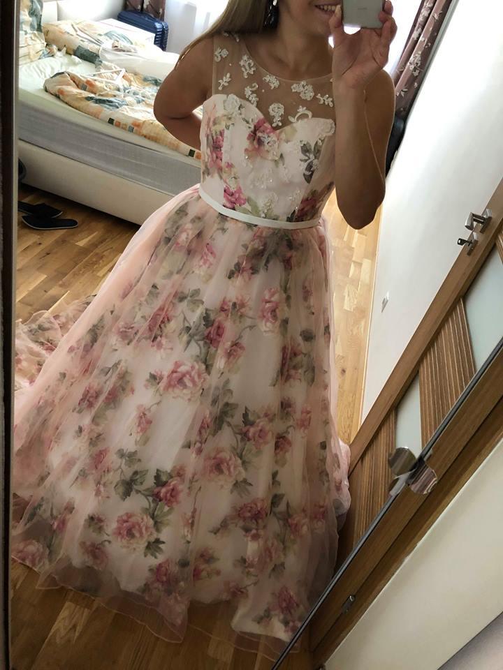 Svatební nebo společenské šaty 3c97c20eff