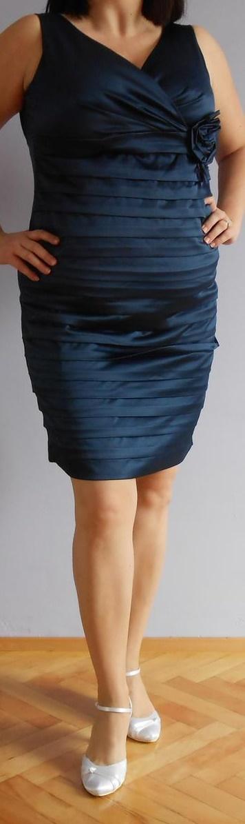 Krátke elegantné šaty, 46