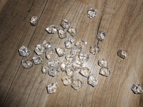 Kamínky, krystalky,