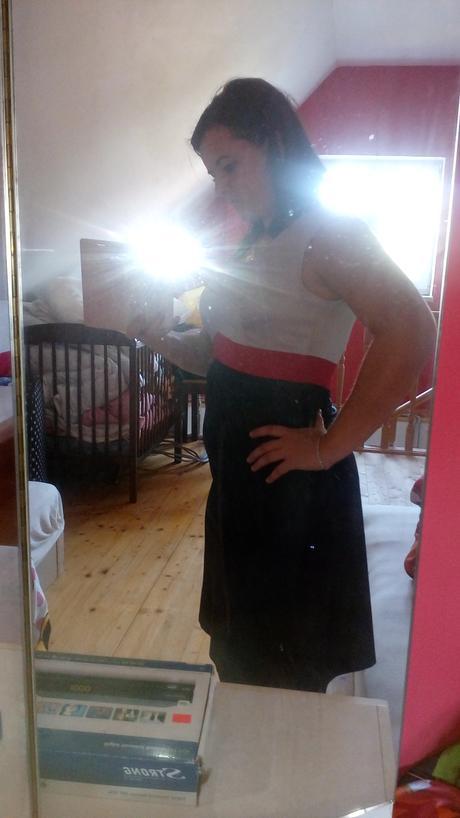 Béžovomodre šaty, 38