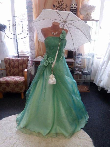 Společenské-svatební šaty, 40