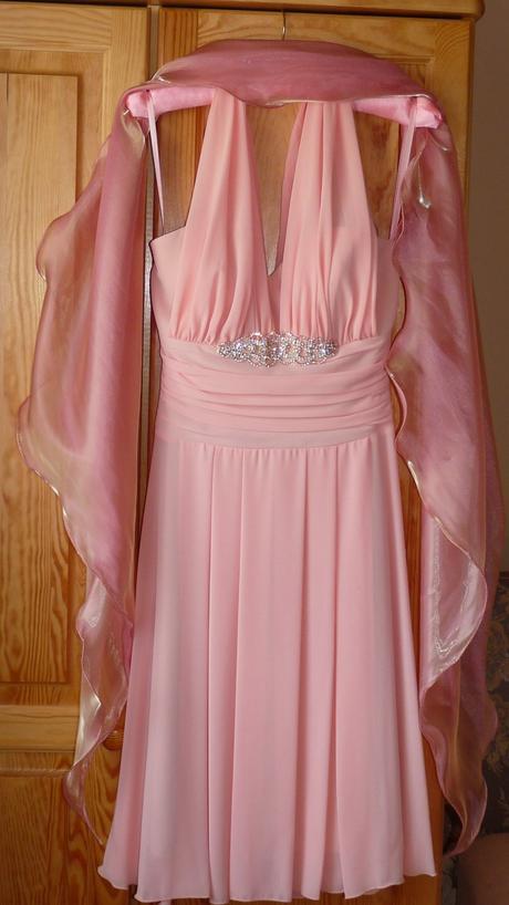 nepoužité  lososovoružové  šaty so  štolou a bižut, 34