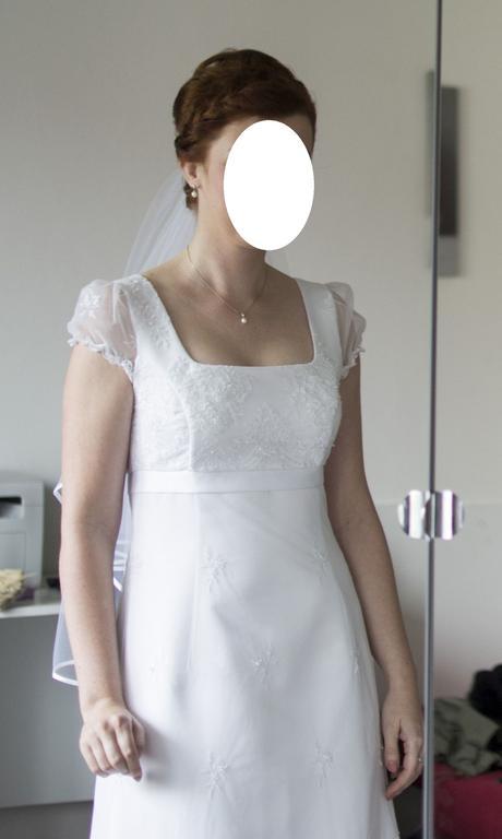 svatební šaty jednoduché elegantní, i pro těhotné, 38