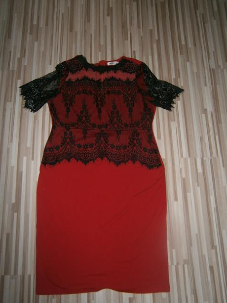 červene čipkovane šaty , 46