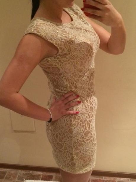 čipkovane zlate šaty , 38