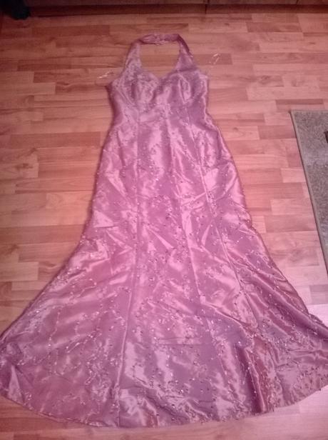 dlhe spoločenske šaty , 42
