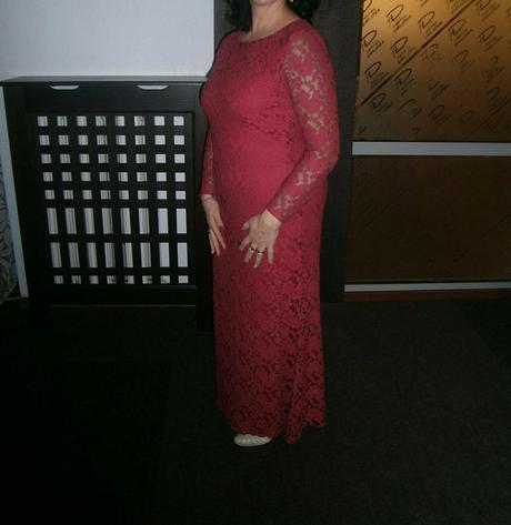 spolocenske čipkovane šaty , 46