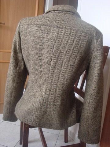 Krátký kabát, 44