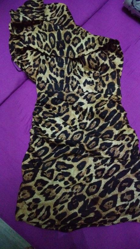 Luxusní tygří šaty, 38