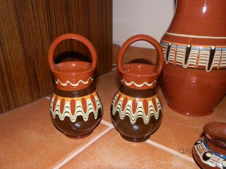 Hnedá keramika,