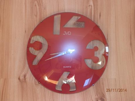Moderné hodiny,