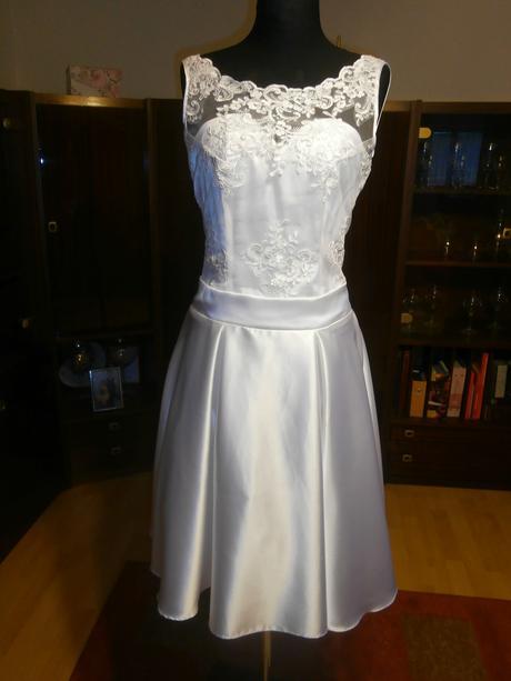 Krátke svadobné šaty , 38