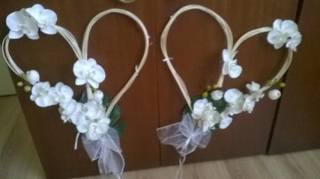 Srdcia z bielymi orchideami,