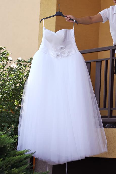 svatební tylové šaty, 40
