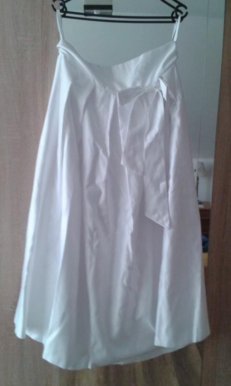 Super biela sukňa /aj svadobná/, 40