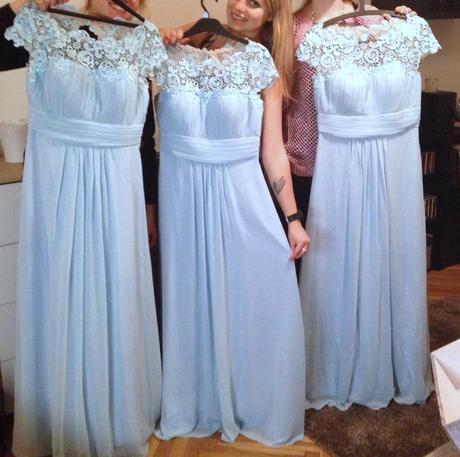 Blankytně modré šifónové šaty s krajkou/ nebeské, 38