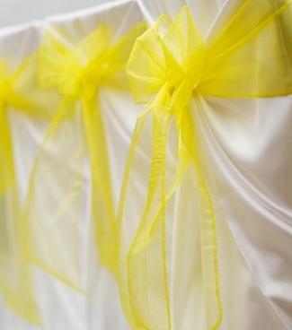 Žlutá organza, šíře 16cm, 44 ks,