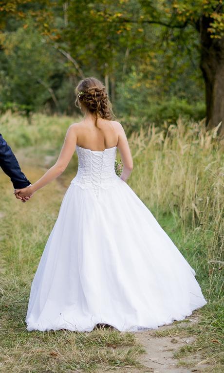 Pohodlné svatební šaty, 36