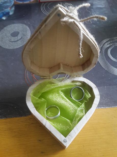 Krabička na prstýnky,