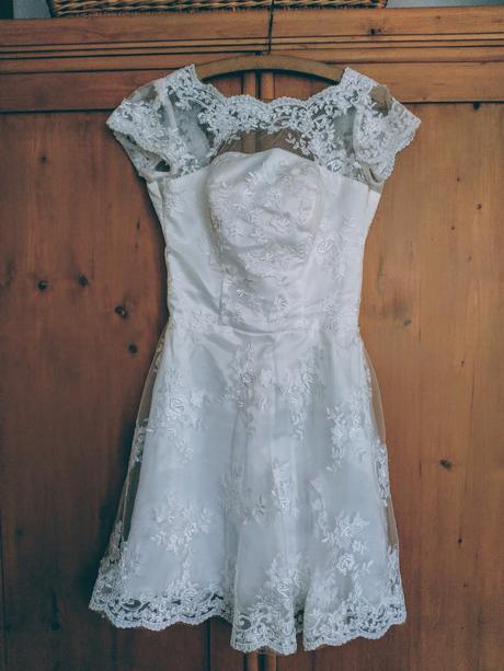 Krátké vintage svatební šaty, 38
