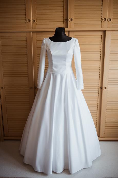 svatební šaty 38-40, 38