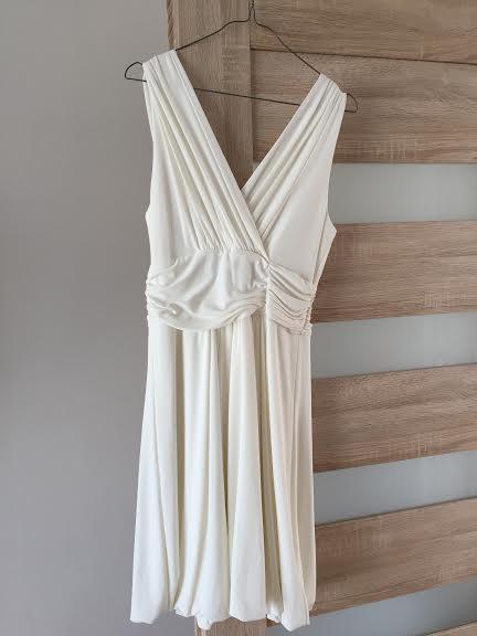 Šaty s prispôsobivého materiálu, 38