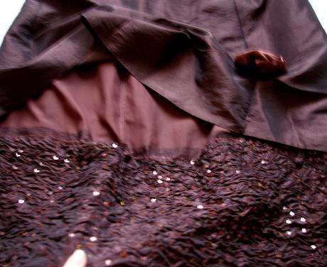 1x oblečené šaty, 38