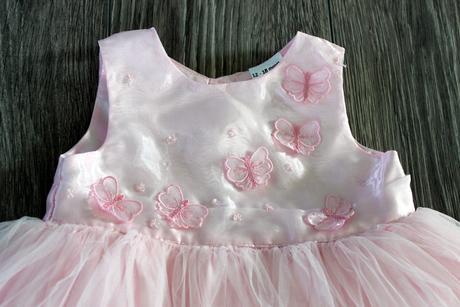 Dievčenské šaty, 86