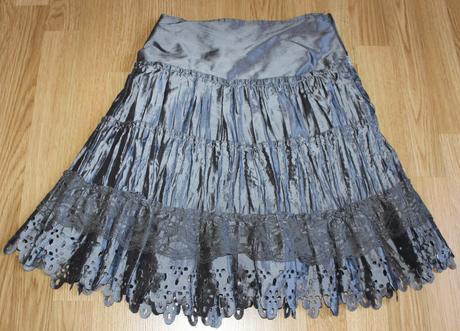 Elegantná saténová sukňa, XS