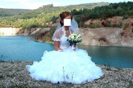 Svadobné šaty, bolerko a závoj, 36