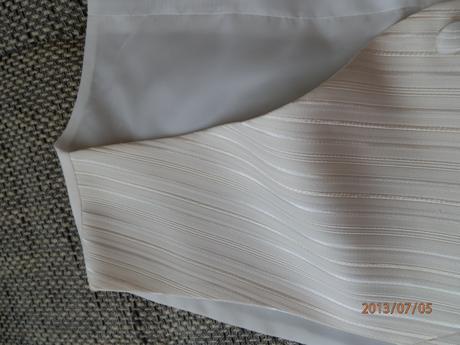 Pekná svadobná vesta, 50
