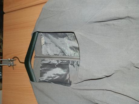 Šaty s uväzovaním, 42