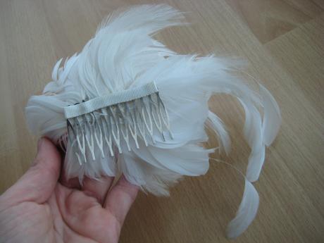 perovy kvet do vlasov,