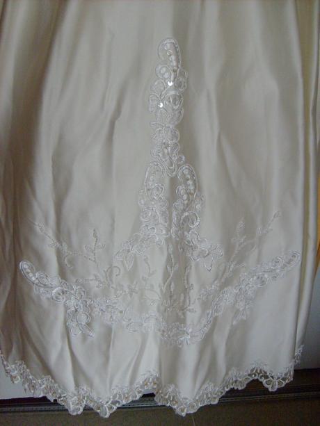 Svatební šaty a závoj., 46