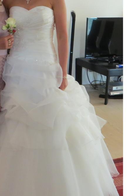 ivory svadobne saty, 38