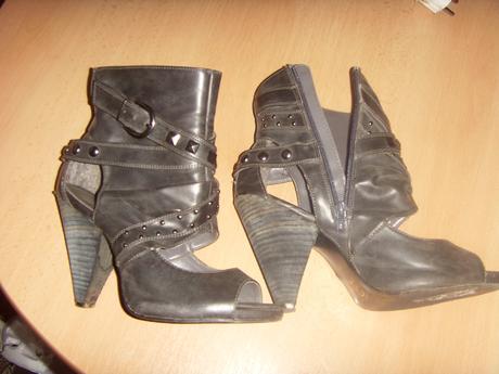 tmavosive sandaliky, 38