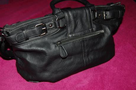 Černá kabelka Baťa, L