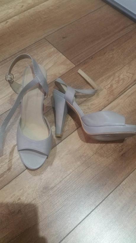 sivé sandáliky, 38