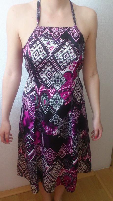 Vzorované šaty, 36