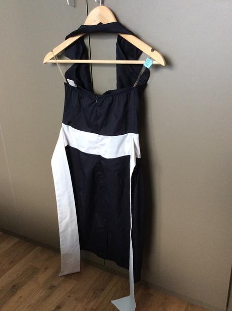 Tmavomodré spoločenské šaty, S