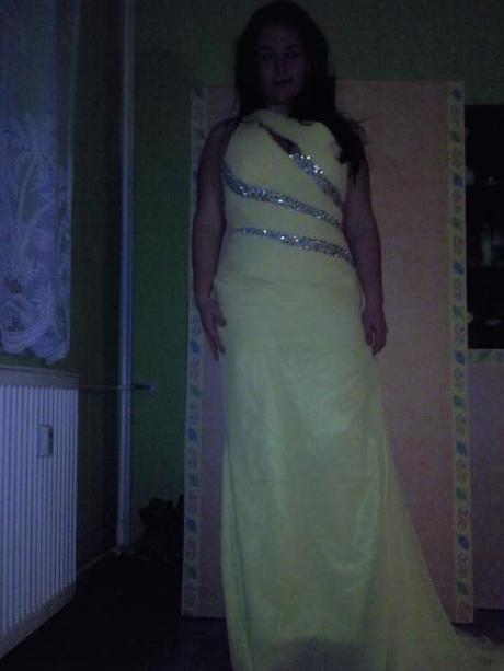Žlté spoločenské šaty c9f4b763637