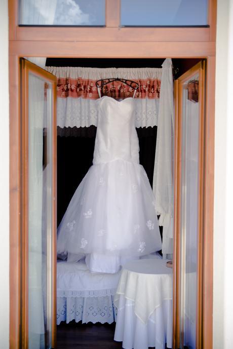 Snehobiele svadobné šaty , 38